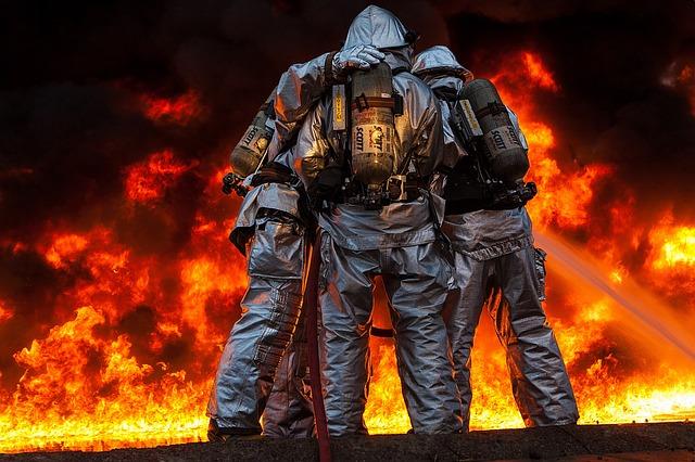 firefighters-1251098_640.jpg