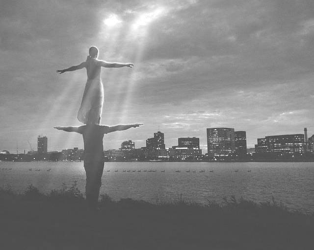 acro-yoga-815290_640