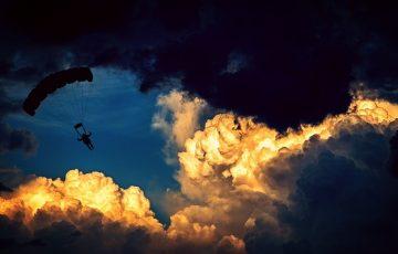 parachute-1843350_640