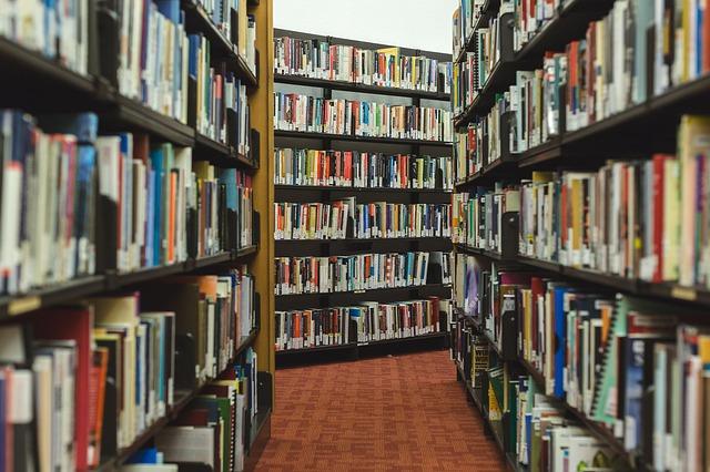 books-2562331_640