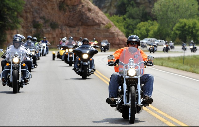 motorcycle-rally-597914_640