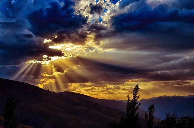 clouds-3400090_640
