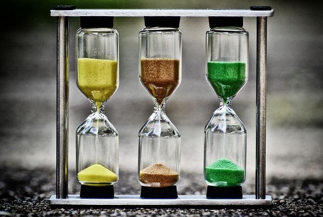 hourglass-3697513_640