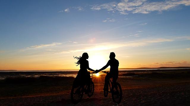 sunset-4103356_640