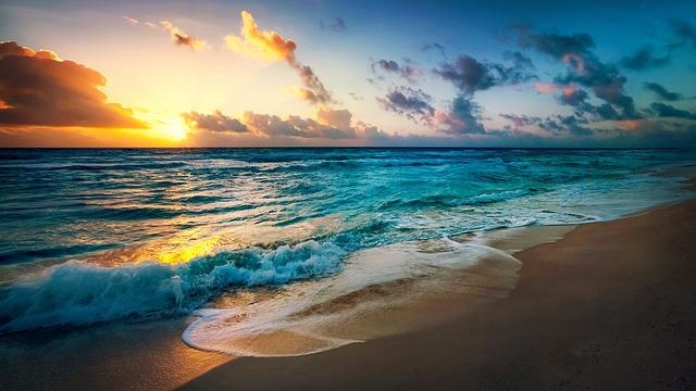 beach-2836300_640