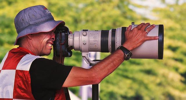 photographer-4385409_640