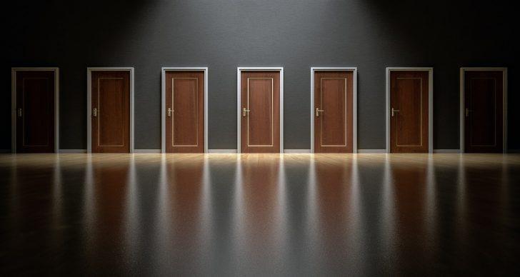 doors-1587329_1280-2.jpg