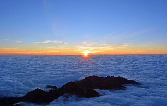 sunrise-1809178_640
