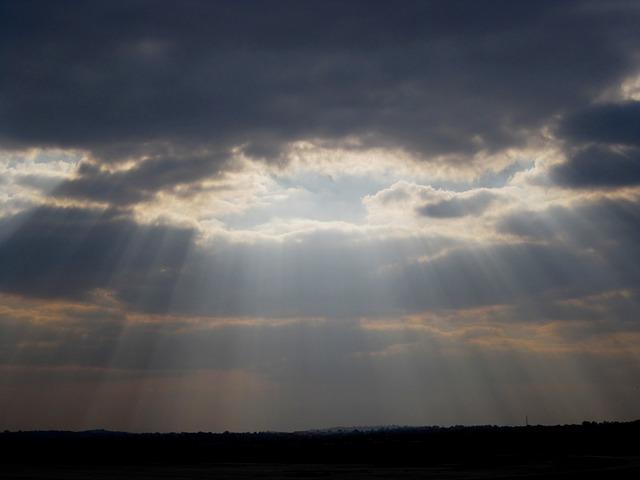 clouds-210475_640