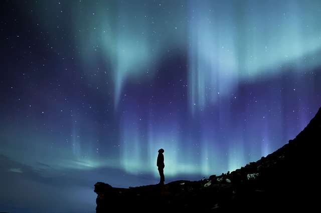 aurora-borealis-2464940_640