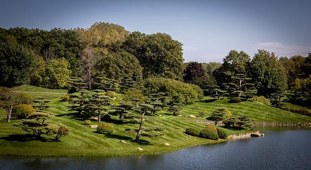 gardens-1322538_640