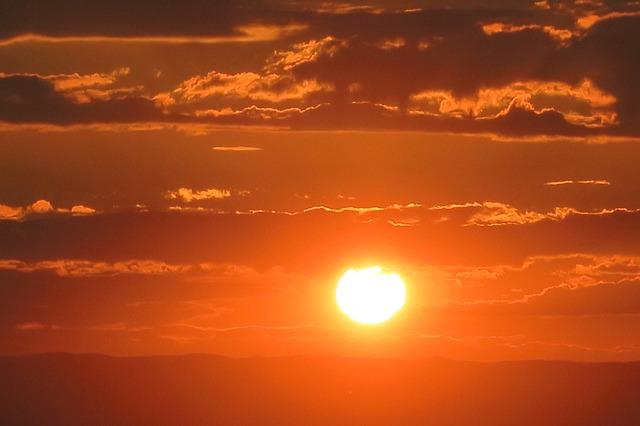sunset-3551857_640