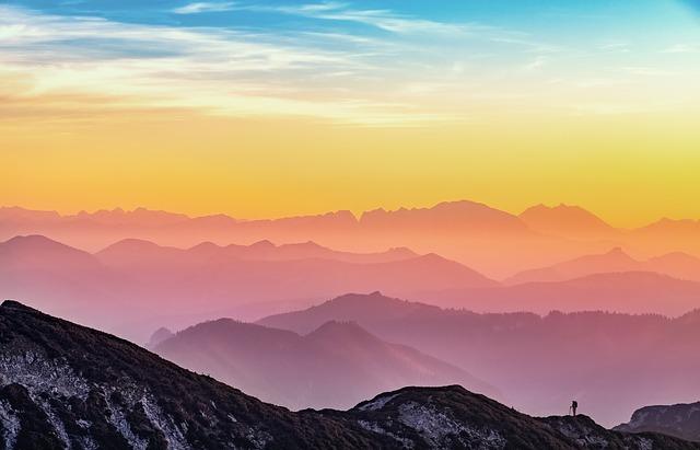 mountains-3605113_640