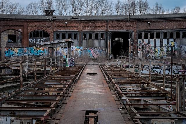 warehouse-768763_640