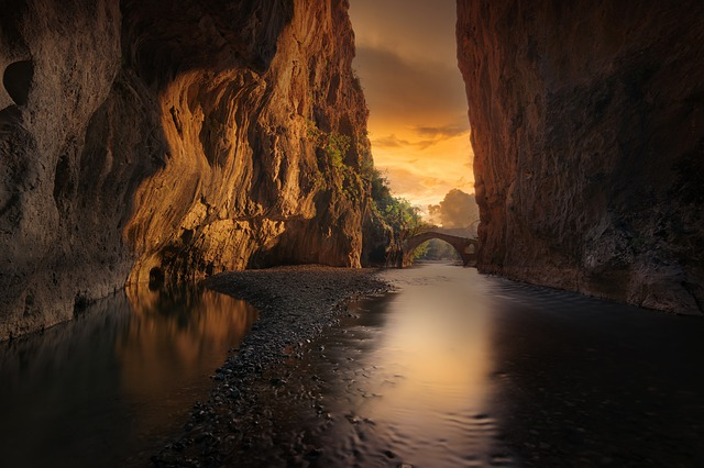canyon-4245261_640